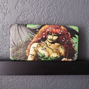 Handbags - Poison Ivy Hand Crafted Snap Clutch